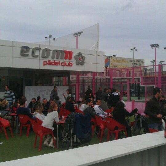Photo taken at Ecommpadel by Gente d. on 12/16/2012