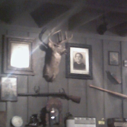 Photo taken at Cracker Barrel Old Country Store by Mel L. on 10/26/2012