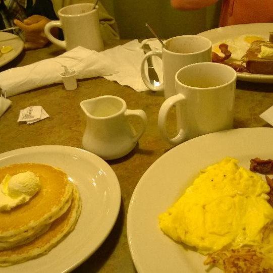 Photo taken at Perkins Restaurant & Bakery by Saveena M. on 10/11/2014