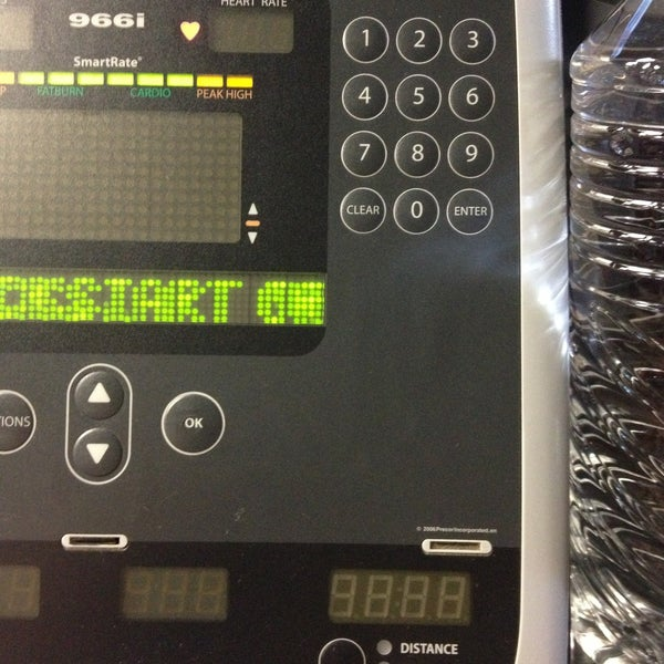 Photo taken at 24 Hour Fitness by Dominique_ on 4/25/2013