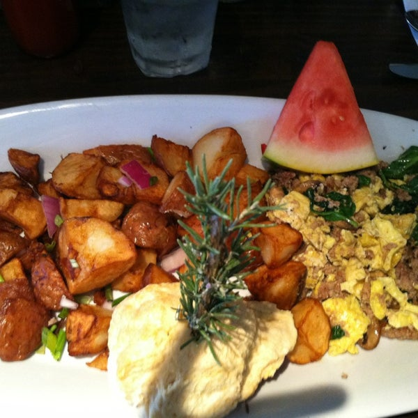 Photo taken at Hash House a Go Go by Sugar B. on 3/30/2013