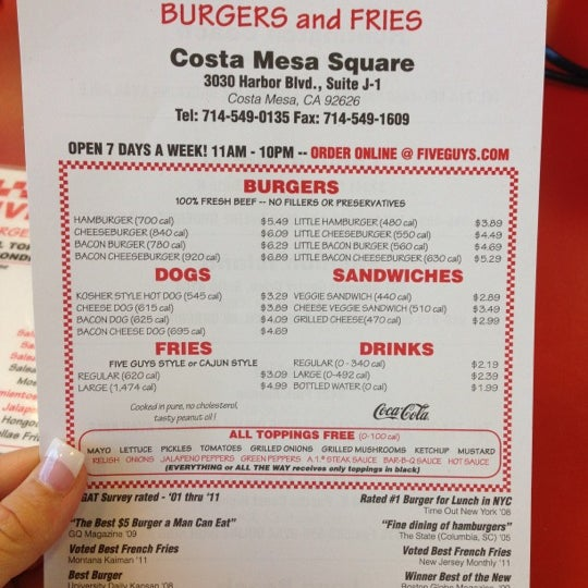 Photo taken at Five Guys by Merisa G. on 11/28/2012