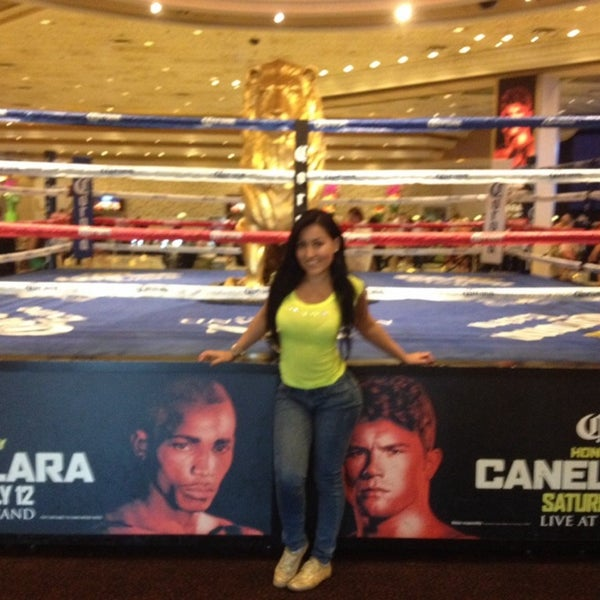 Photo taken at MGM Grand Hotel & Casino by Diana P. on 7/10/2014