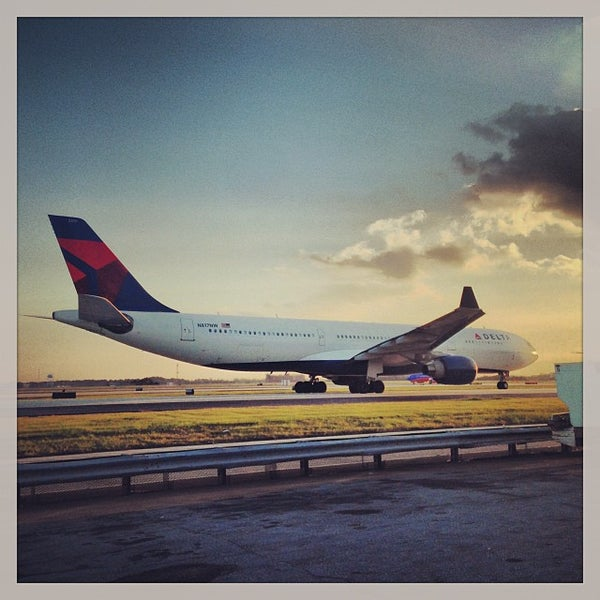 Photo taken at Hartsfield-Jackson Atlanta International Airport (ATL) by Ryan H. on 9/27/2013