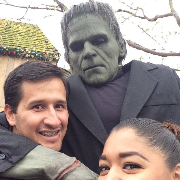 Photo taken at Universal's Animal Actors by Raul A. on 12/2/2014