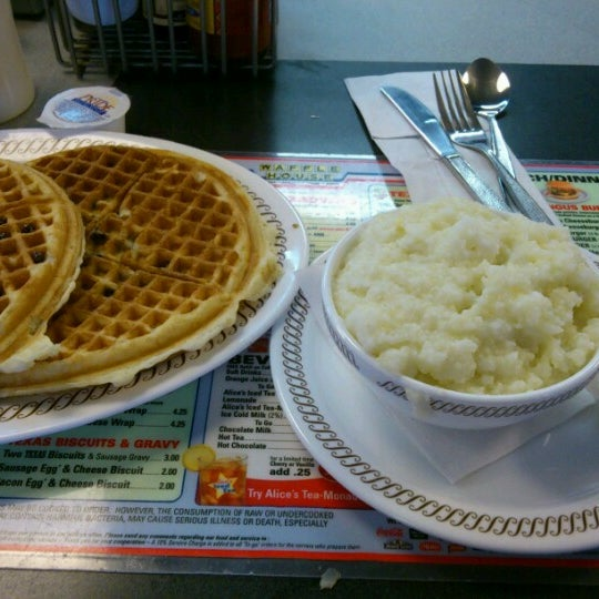 Photo taken at Waffle House by Pietro B. on 12/2/2012