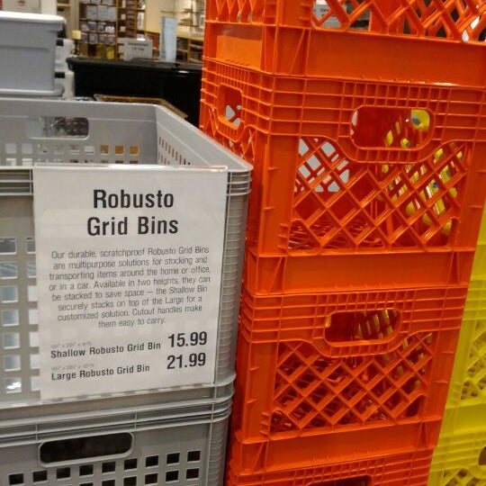 Photo taken at The Container Store by Gabriel R. on 1/6/2012