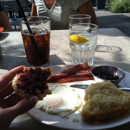 Photo taken at Northstar Cafe by Theresa B. on 8/20/2011
