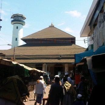 Photo taken at Kawasan Wisata Religi Makam Sunan Ampel by Rangga A. on 7/27/2012