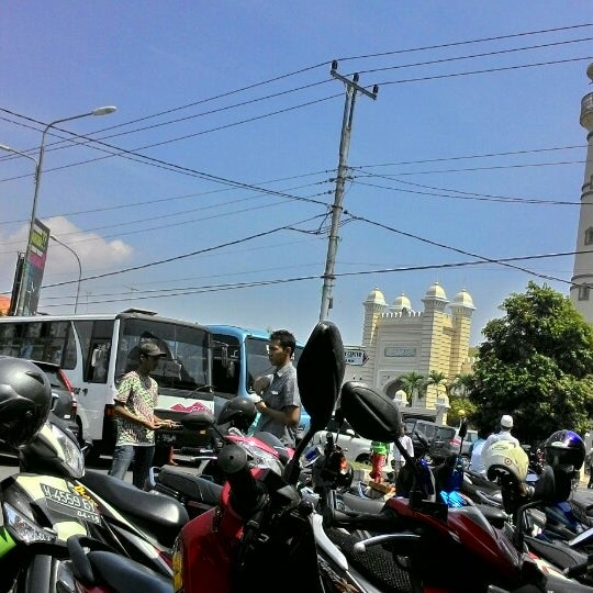 Photo taken at Masjid Jami' Kauman Pekalongan by Arimurti A. on 8/8/2014