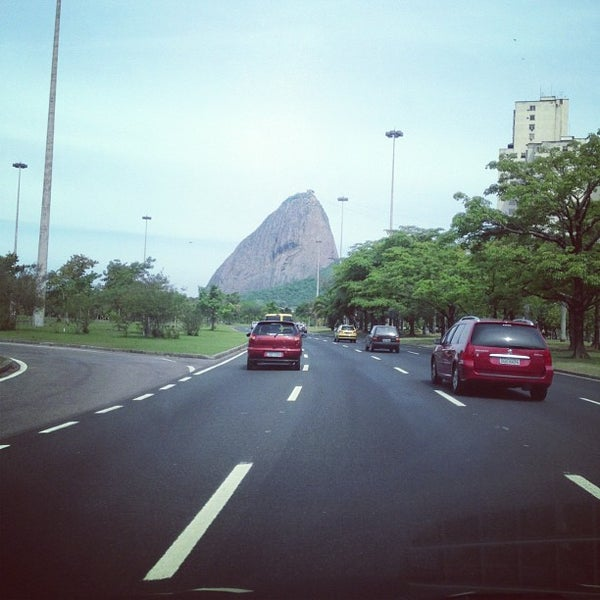 Photo taken at Aterro do Flamengo by Roberto M. on 10/20/2012