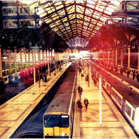 Photo taken at London Liverpool Street Railway Station (LST) by Djaia on 10/5/2012