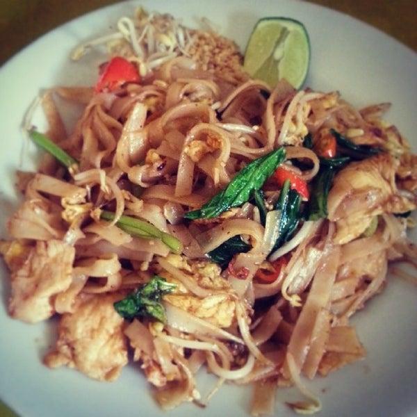 Photo taken at Phuket Thai Resto by Gideon W. on 12/26/2013