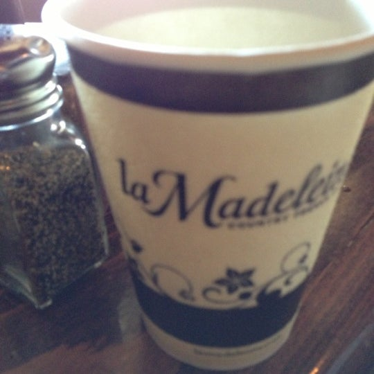 Photo taken at La Madeleine Country French Café by 😼Ellen S. on 11/18/2012