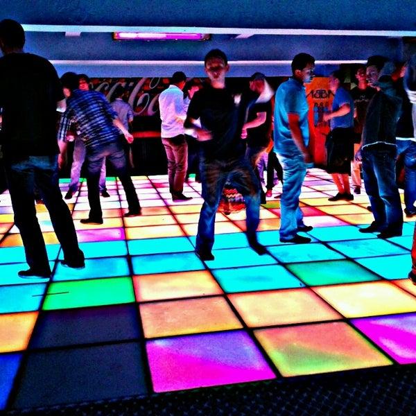 Karlovy l zn nightclub in praha for 1 2 3 4 get on d dance floor