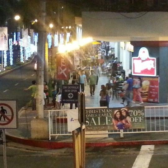 Photo taken at Shopwise by Glenn V. on 11/30/2012