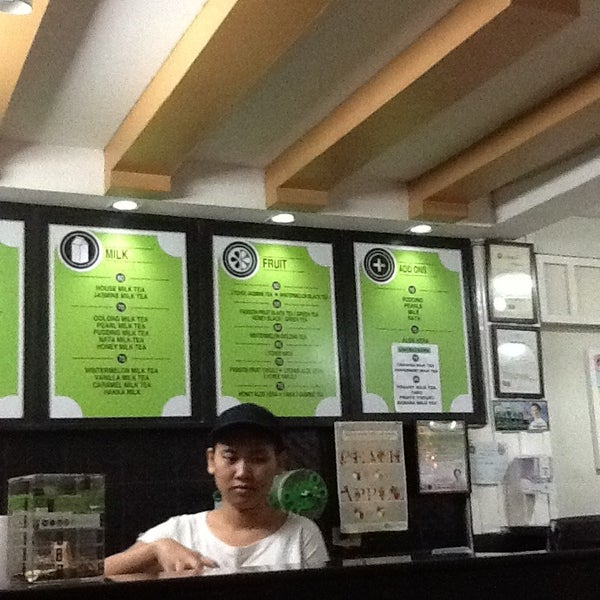 Photo taken at Moonleaf Tea Shop by Lovelle L. on 1/6/2013