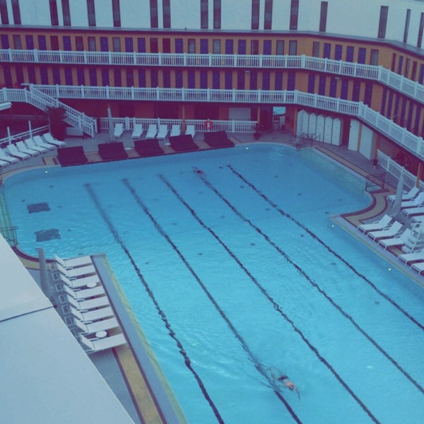 Molitor pool in auteuil for Piscine auteuil