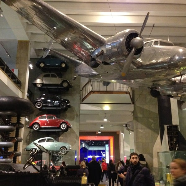 Photo taken at Science Museum by Ivana G. on 1/31/2013