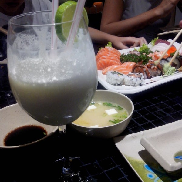Photo taken at Joy Sushi by Luã R. on 5/22/2014