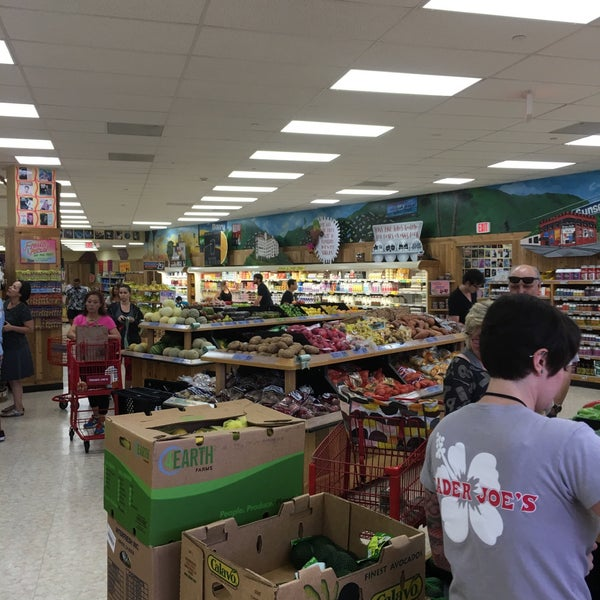 Photo taken at Trader Joe's by Vinnie I. on 6/4/2016