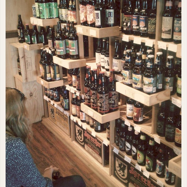 Milwaukee craft beer tour for Craft stores in milwaukee