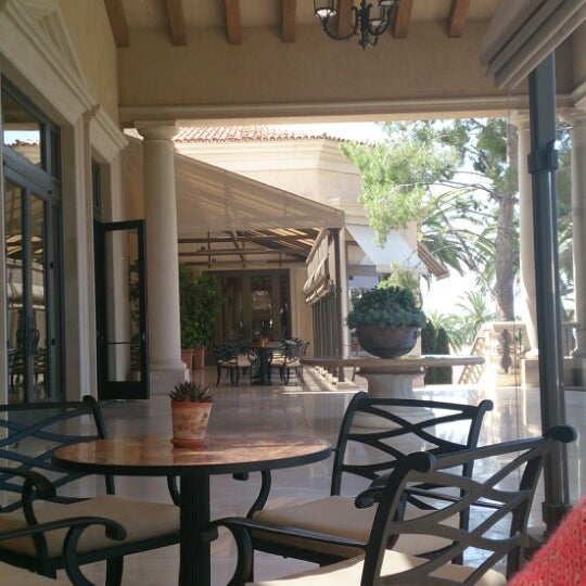 Resort At Pelican Hill Cafe