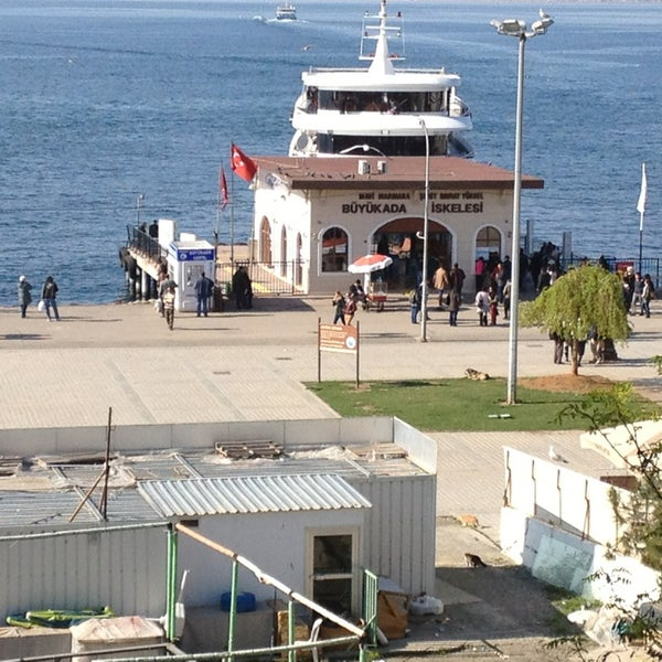 Photo taken at Büyükada Mavi Marmara Motor İskelesi by Veli B. on 4/10/2013