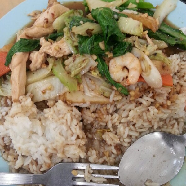 Photo taken at Restoran Victory by Amir A. on 2/21/2013