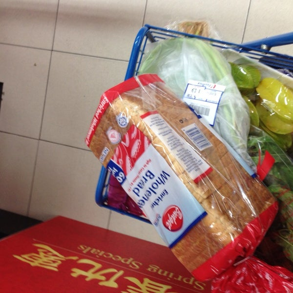 Photo taken at NTUC FairPrice by Zek M. on 1/19/2014