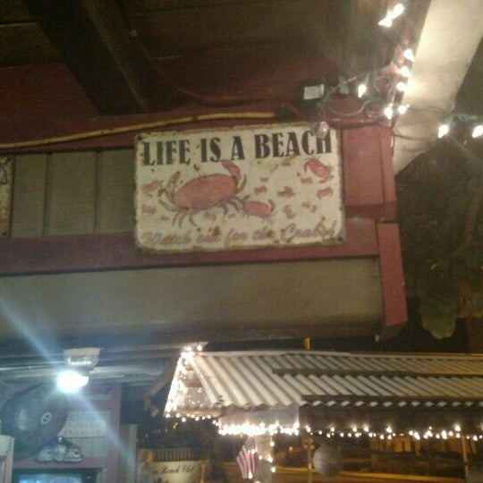 Photo taken at Archie's Seabreeze by Yana on 10/22/2015