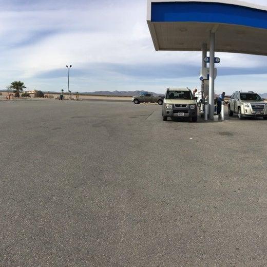 Photo taken at Moapa Paiute Travel Plaza / Chevon Gas by Jav on 3/21/2016