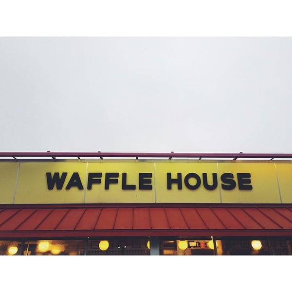 Photo taken at Waffle House by Graham H. on 2/8/2015