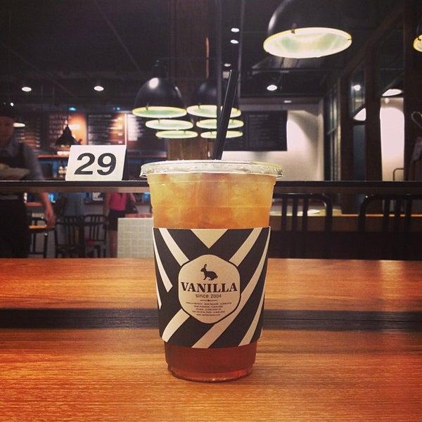 Photo taken at Vanilla Crepe Cafe by E L L E L O O F .. on 6/13/2013