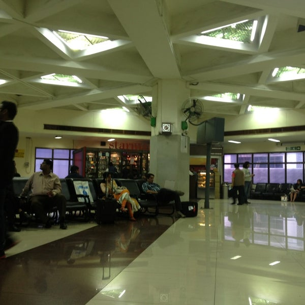 Photo taken at Netaji Subhash Chandra Bose International Airport (CCU) by Andy on 2/5/2013