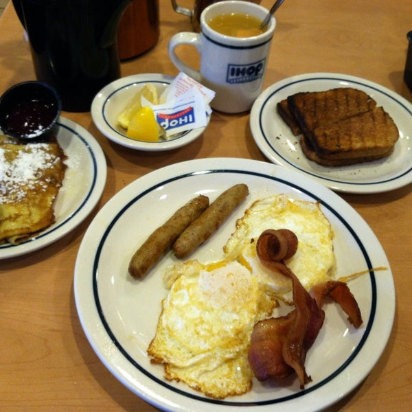 Photo taken at IHOP by Patrick M. on 1/26/2014