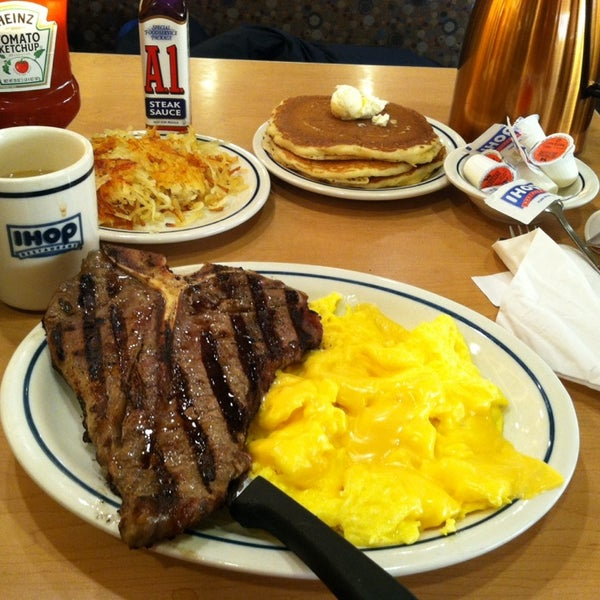 Photo taken at IHOP by Patrick M. on 1/20/2014