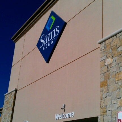 Photo taken at Sam's Club by Vanessa G. on 1/19/2013