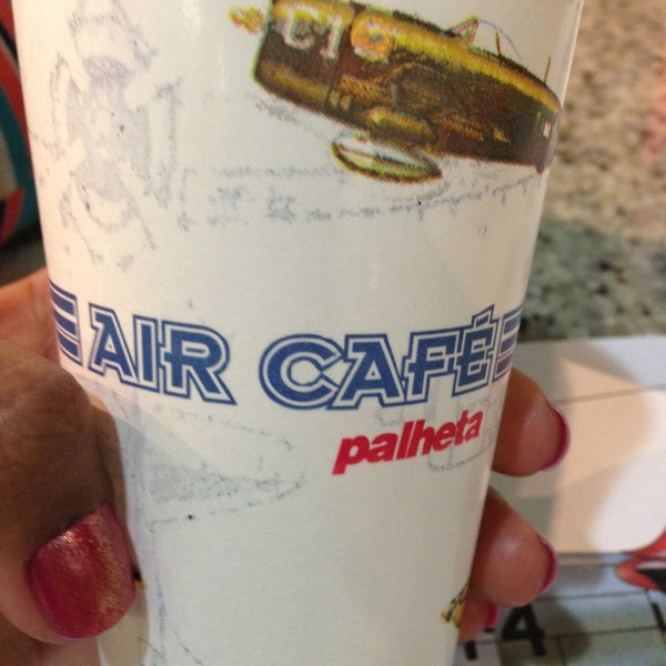 Photo taken at Air Café Palheta by Hellen B. on 7/13/2013