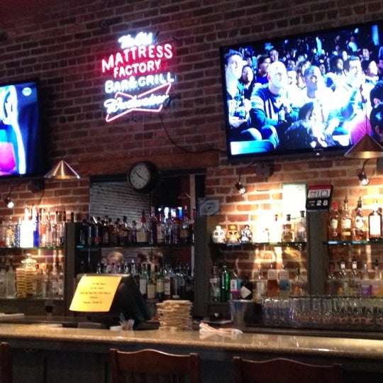 Omaha Mattress Good bars and restaurants in Omaha.