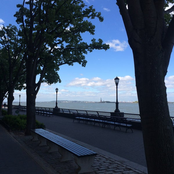 Photo taken at Battery Park City Esplanade by Ольга Х. on 5/13/2015
