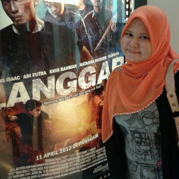 Photo taken at Big Cinemas by Eina A. on 4/20/2013
