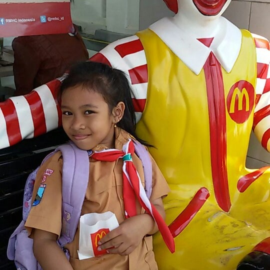 Photo taken at McDonald's by cayie on 9/20/2014