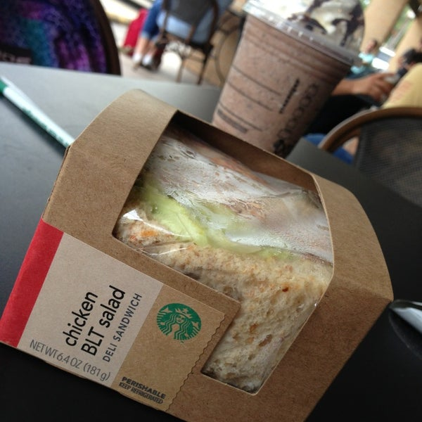 Photo taken at Starbucks by Baifern U. on 9/11/2013