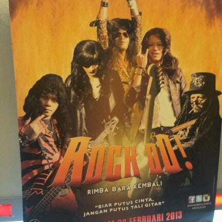 Photo taken at Big Cinemas by Tanah T. on 3/2/2013