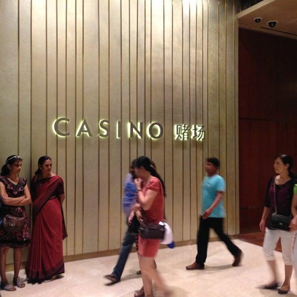Photo taken at Marina Bay Sands Casino by tudo on 6/22/2013