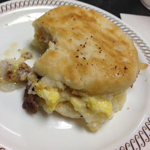 Photo taken at Waffle House by Anita M. on 8/27/2013