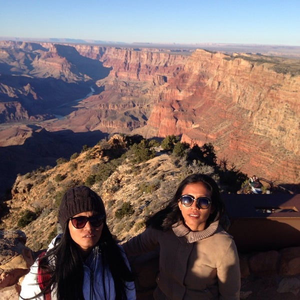 Photo taken at Red Feather Lodge Grand Canyon by Lulun H. on 11/13/2015