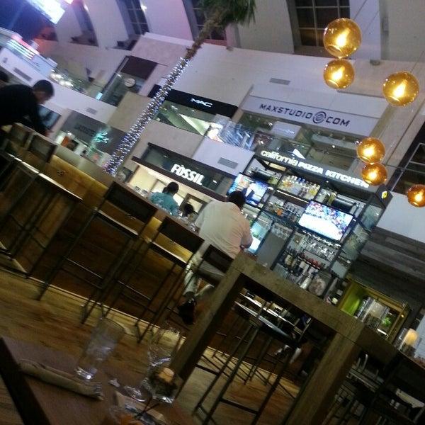 California Pizza Kitchen Topanga Mall