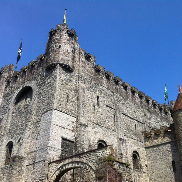 Photo taken at Gravensteen / Castle of the Counts by Isadora Z. on 7/15/2013